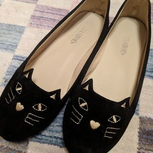 Embroidered cat face flats